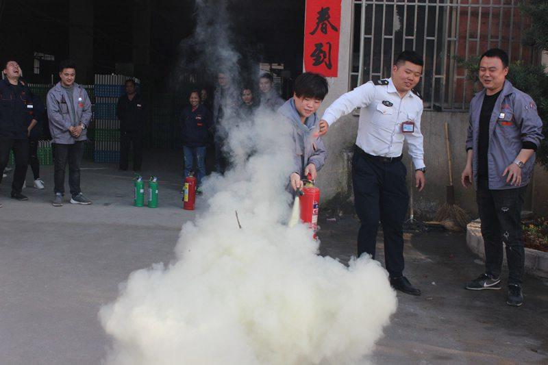 车间全体员工消防实战演习